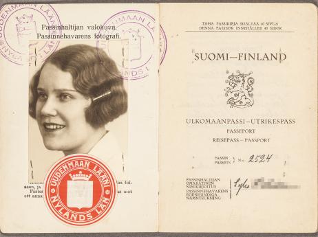 Helsingin Kansallisarkisto, biografista aineistoa. Kuva: Virve Laustela / Suomen valokuvataiteen museo