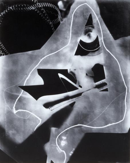 Man Ray: Rayogram, 1923. Photogram, gelatin silver print. Moderna Museet Stockholm.