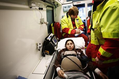Mihaela Stoica på väg att föda sitt första barn på Kvinnokliniken i Helsingfors i februari 2008. Foto: Heidi Piiroinen