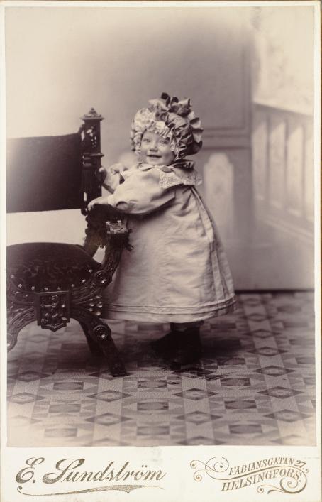 Atelier Eric Sundström, n. 1900 / Suomen valokuvataiteen museon kokoelma.
