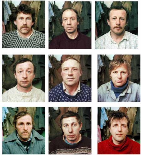 Kasvokuvat yhdeksästä miehestä.