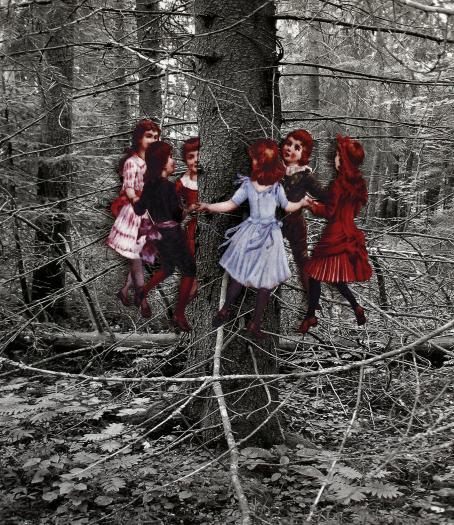 Mustavalkoinen kuva metsästä. Sen päälle on lisätty värillinen kuva jossa on lapsia, he ovat puun ympärillä piirissä.
