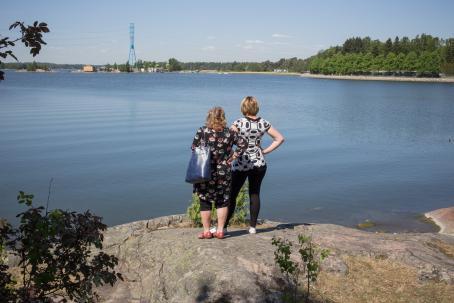 Toukokuussa retkeiltiin Lapinlahden maisemissa. Kuva: Virve Laustela, Suomen valokuvataiteen museo