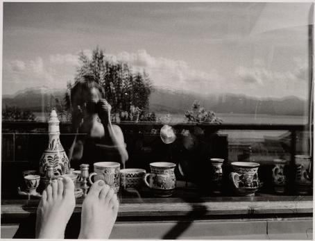 Leena Saraste, Omakuva, Tromssa, 1985 / Suomen valokuvataiteen museon kokoelma.