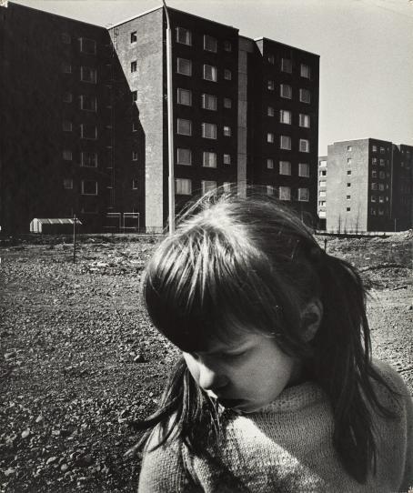 Caj Bremer: Lapsen maisema, 1971. Suomen valokuvataiteen museo.
