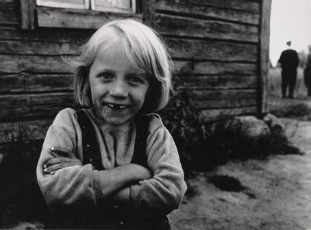 Ismo Hölttö: Ilomantsi, 1968. Suomen valokuvataiteen museo.