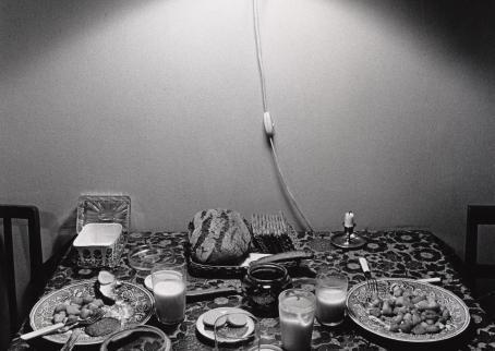 Risto Laine: Breakfast, 1972. Suomen valokuvataiteen museo.