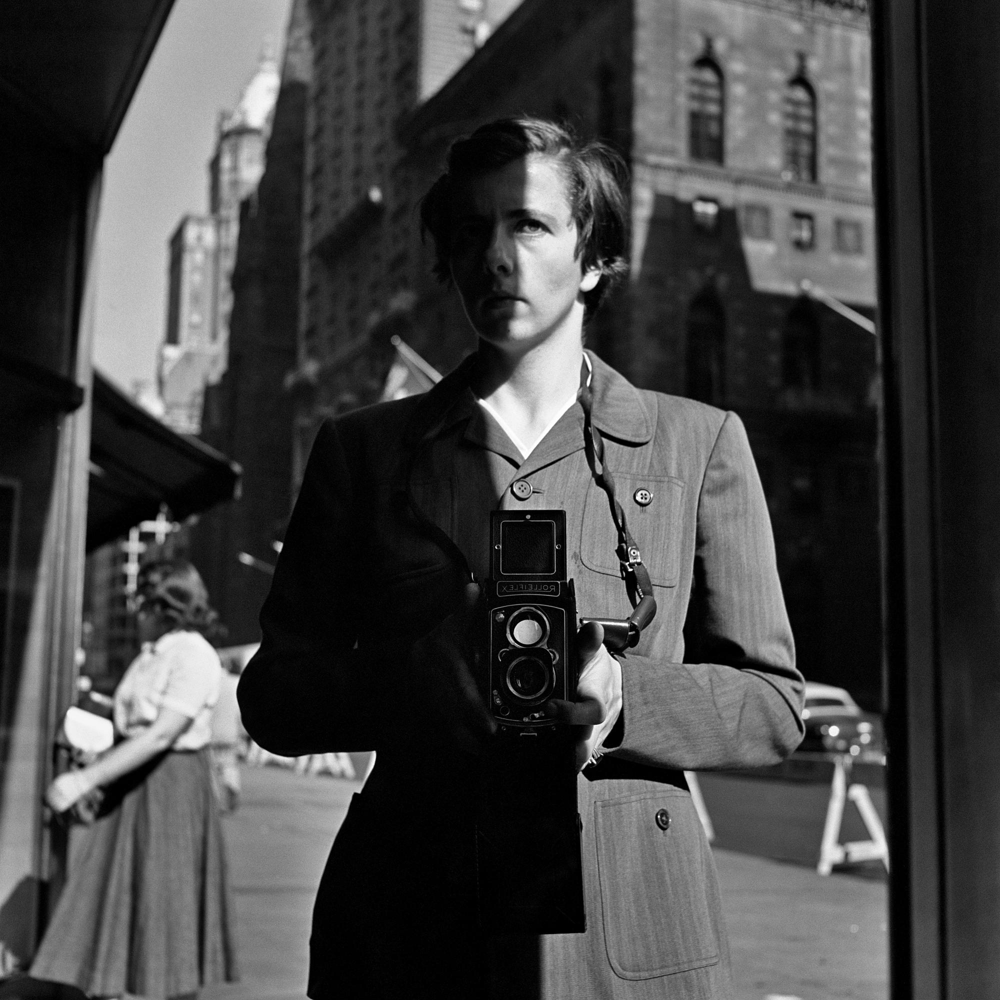 Vivian Maier: October 18, New York, 1953. © Estate of Vivian Maier, Courtesy of Maloof Collection and Howard Greenberg Gallery, NY.